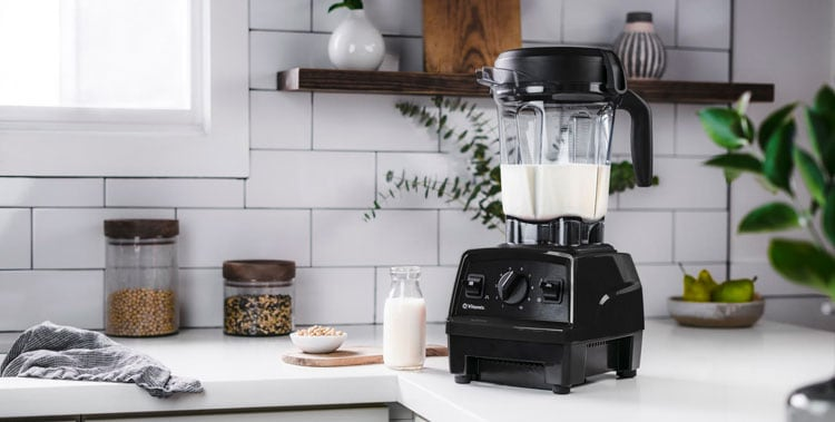 vitamix explorian e320 blender nut milk